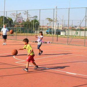 Escolinha de basquete