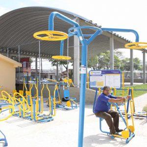 Academia ao ar livre - Praça de Esportes e Lazer
