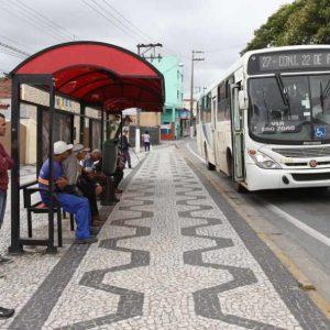 Novos abrigos de ônibus